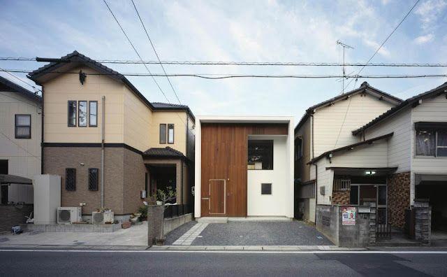 Casa de muro continuo. Revestimientos, muebles y suelos de madera|Espacios en madera