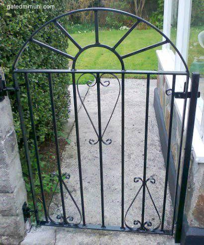 M s de 25 ideas incre bles sobre puerta reja en pinterest - Puertas de hierro para jardin ...