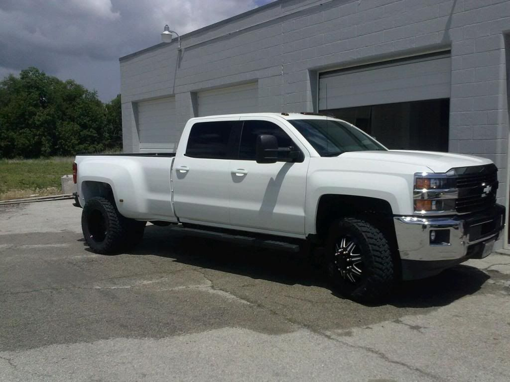 Lml 2015 Chevrolet Silverado 3500 Hd Dually On 20 Wheels Maybe