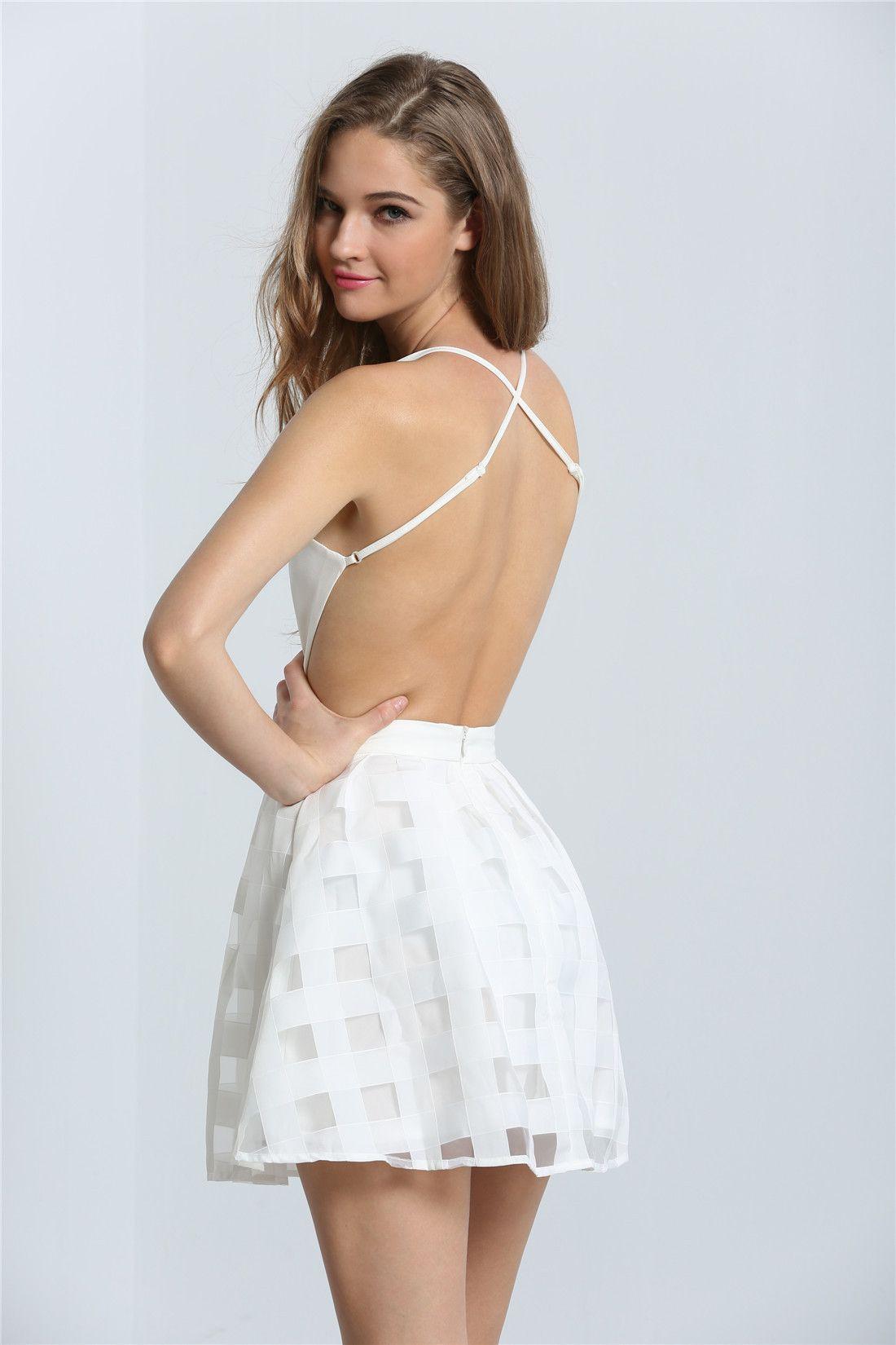 White spaghetti strap backless flare dress moda minimalista