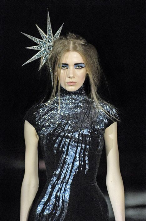 Star headpiece by shaun leane for alexander mcqueen for Alexander mcqueen interview
