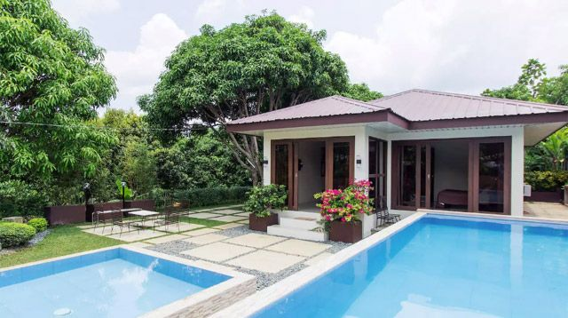 You Can Rent These Batangas Homes For P3 000 To P5 000 A Night Swimming Pool House Batangas Building A Pool