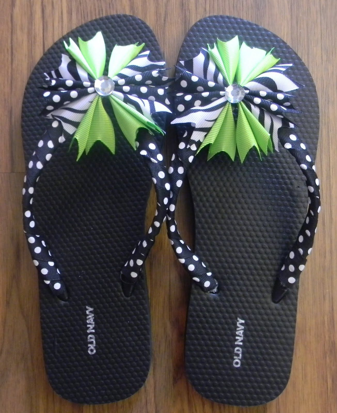 d616b8d5698317 Ribbon flip flops-LOVE these!! Need to learn how to make them ...