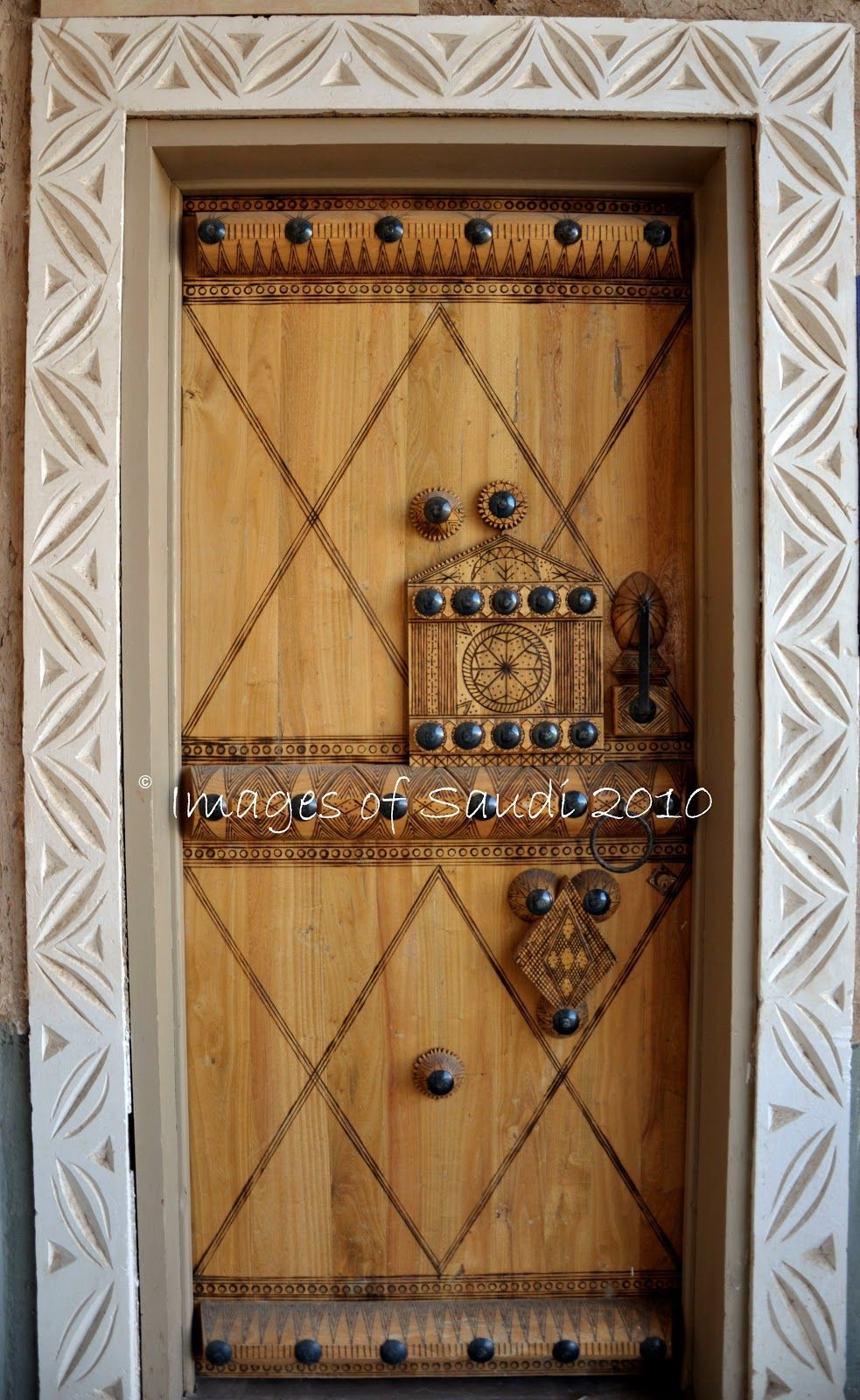 Door In Saudi Arabia Doors Beautiful Doors Cool Doors