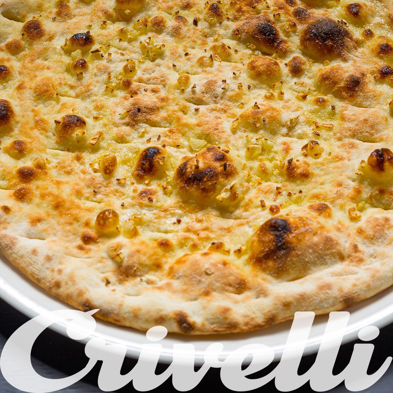 Focaccia all' Aglio Base de pizza clássica com azeite sal, alhos e orégãos.