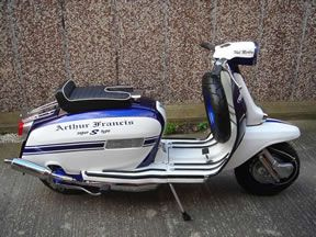 Lambretta GP 200 reminds me of a police car. Or rather Cop Scooter