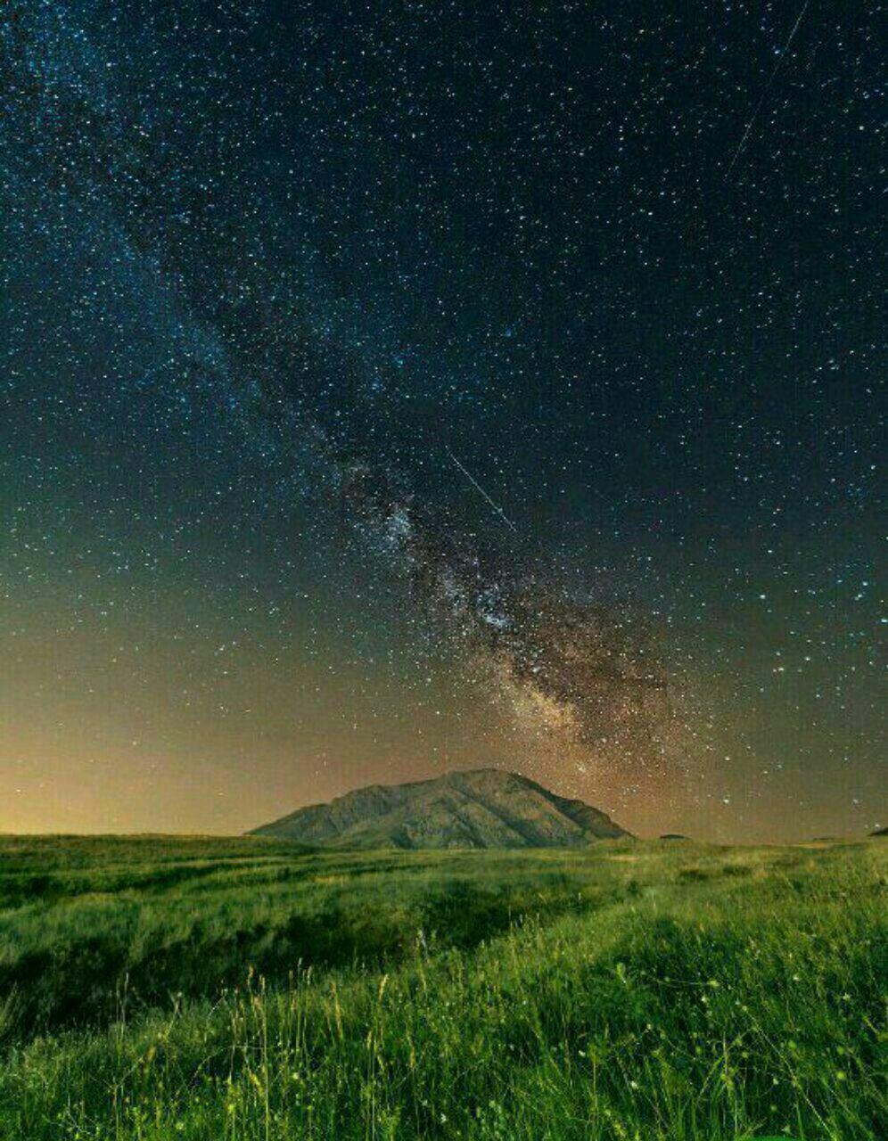 قلب کهکشان راه شیری  بر فراز کوه