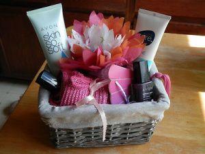 Avon gift basket idea i sell avon pinterest avon gift avon gift basket idea negle Images