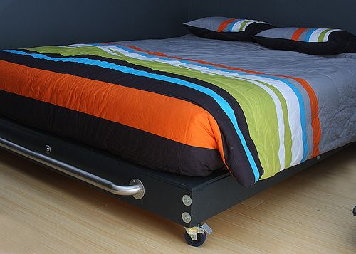 Diy Platform Bed With Wheels I Really Like This One