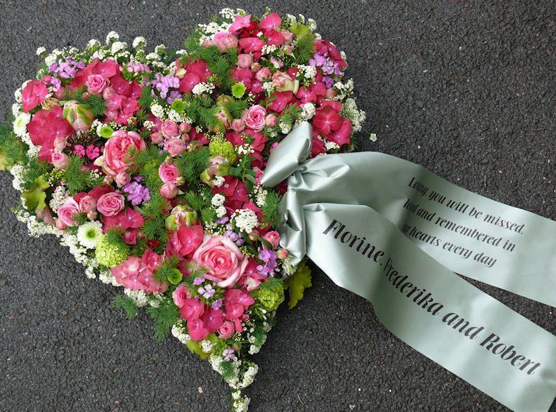 Herz mit Schleife  Trauer  Pinterest  Blumen