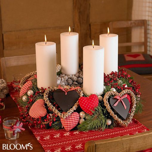 tischkranz mit mit herzen advent wreaths and decor. Black Bedroom Furniture Sets. Home Design Ideas