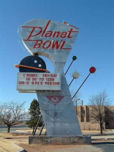 Planet Bowl Midwest City Ok Via Flickr Old Neon Signs Retro Signage Vintage Neon Signs