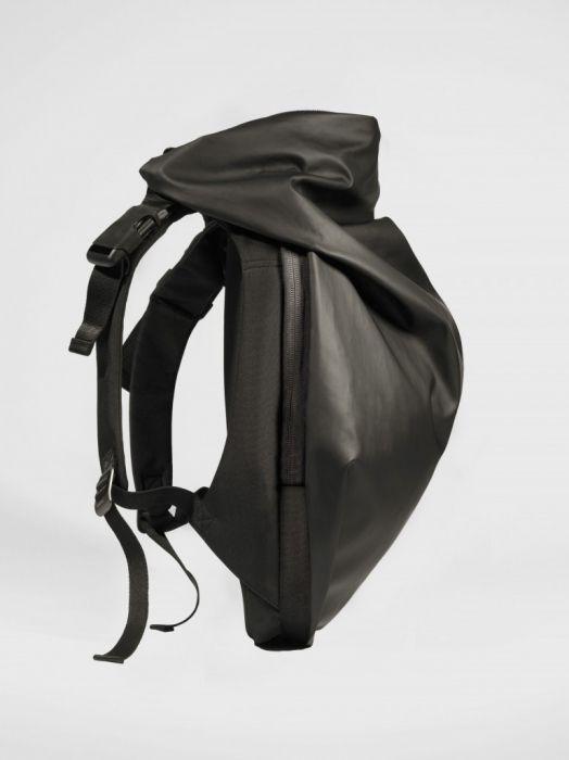 2d22638147a6 今、ビジネスマンが最も使うべきリュック:スーツに映える「cote&ciel」の革新的なデザイン 3番目の画像
