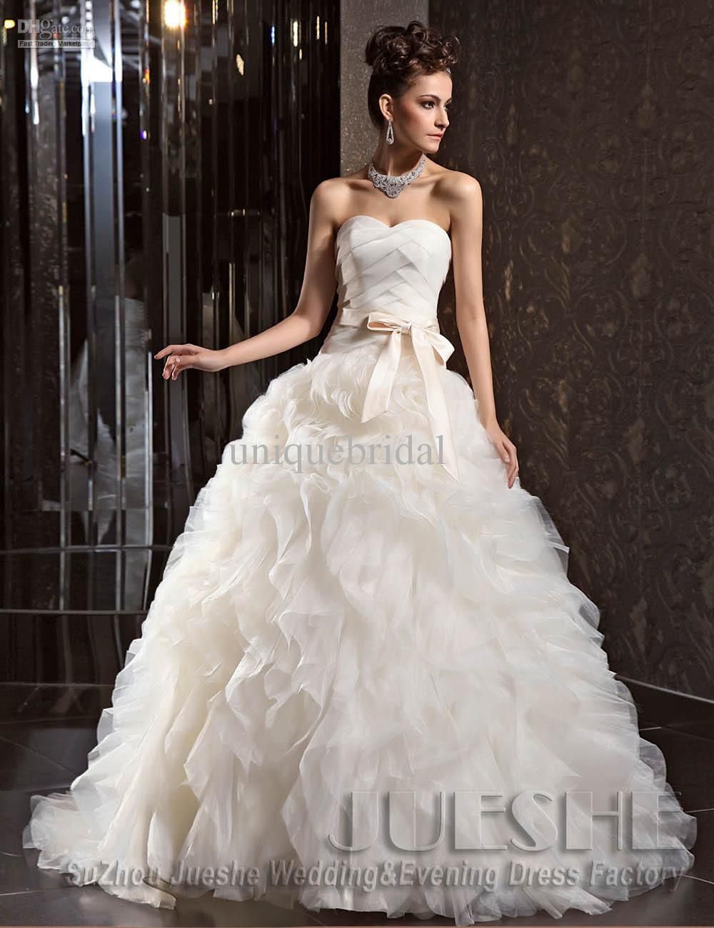 17  images about Most expensive Wedding dress on Pinterest ...