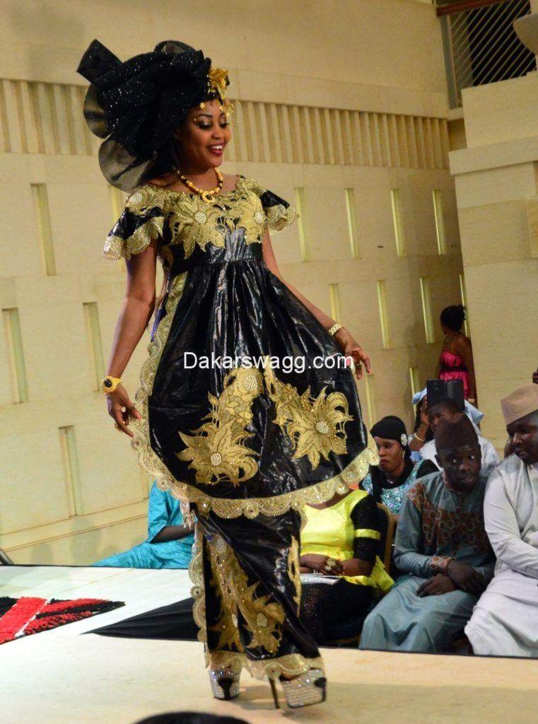 mode tabaski 54 model bazin pinterest mode africaine robe africaine et tenue africaine. Black Bedroom Furniture Sets. Home Design Ideas