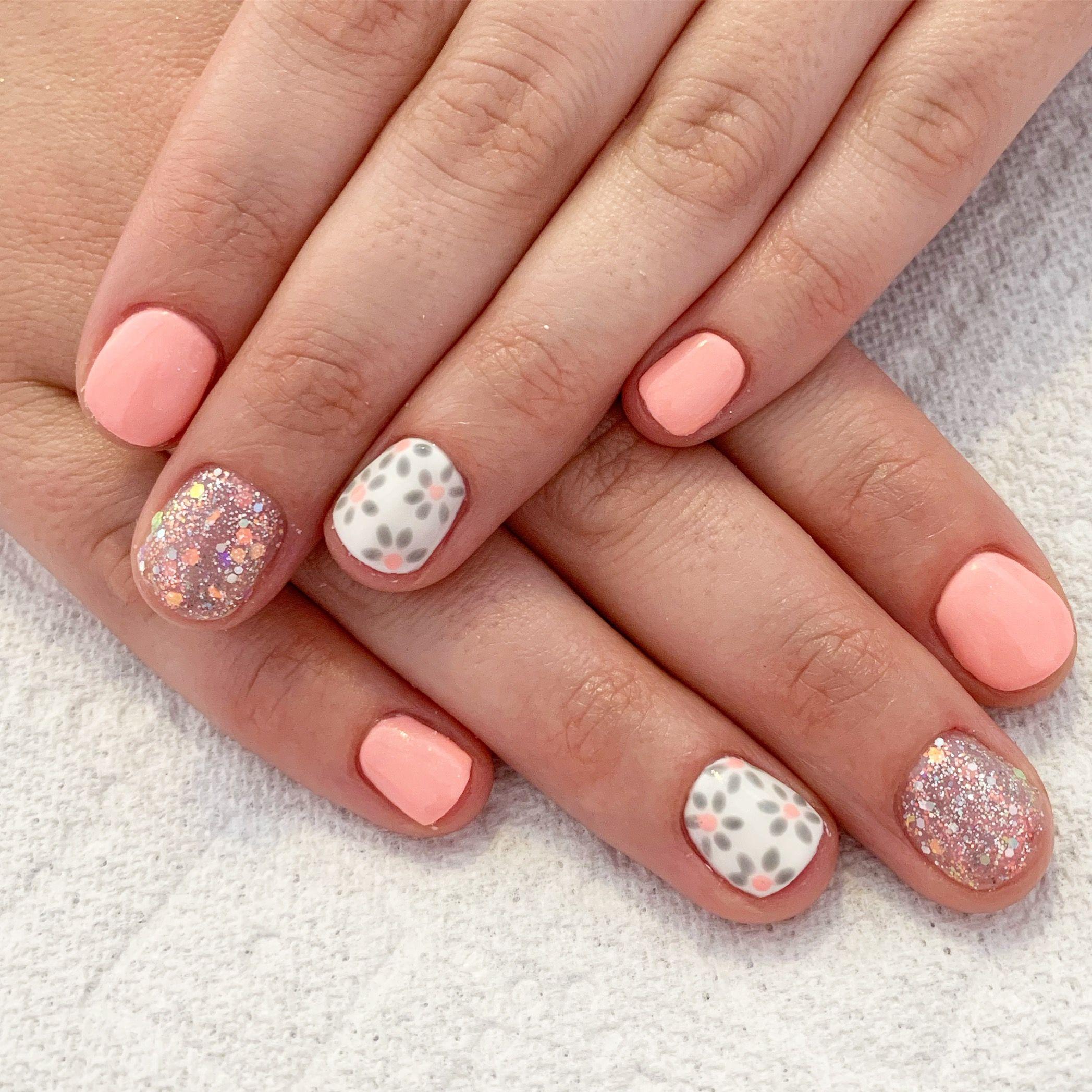Grey Nails Peach Nails Coral Nails Spring Nails Short Nails Gel Nails Natural Nails Nail Stamps Nail Art Glitter Nails Peach Nails Spring Nails Nails
