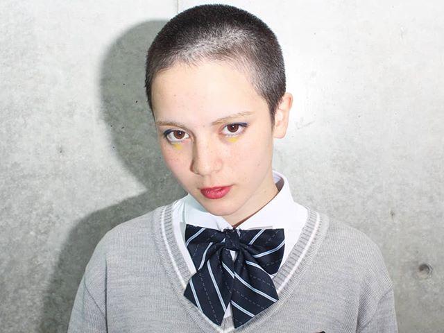 谷重伸也/ウルフ/ダブルカラー/アレンジ/cime/大阪はInstagramを利用しています:「JKBそう女子👩高生👩坊主👴 Thanks👅🎵 #jkb#jk坊主#女子高生 #hairstyle #hair #cut#坊主女子 #制服#美容師#美容室#美容院 #撮影#サロンモデル #作品撮り #リボン#大阪美容室 #心斎橋美容室 #ダブルカラー…」
