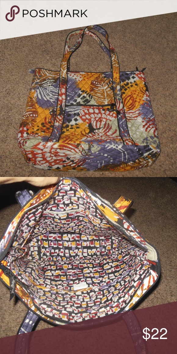 Like New Vera Bradley Large Tote Handbag This is a large size tote from Vera  Bradley it was hardly used a7e84316e9f64