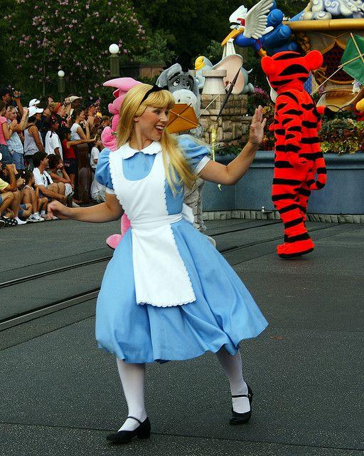 #Disney - Alice on parade at Walt Disney...