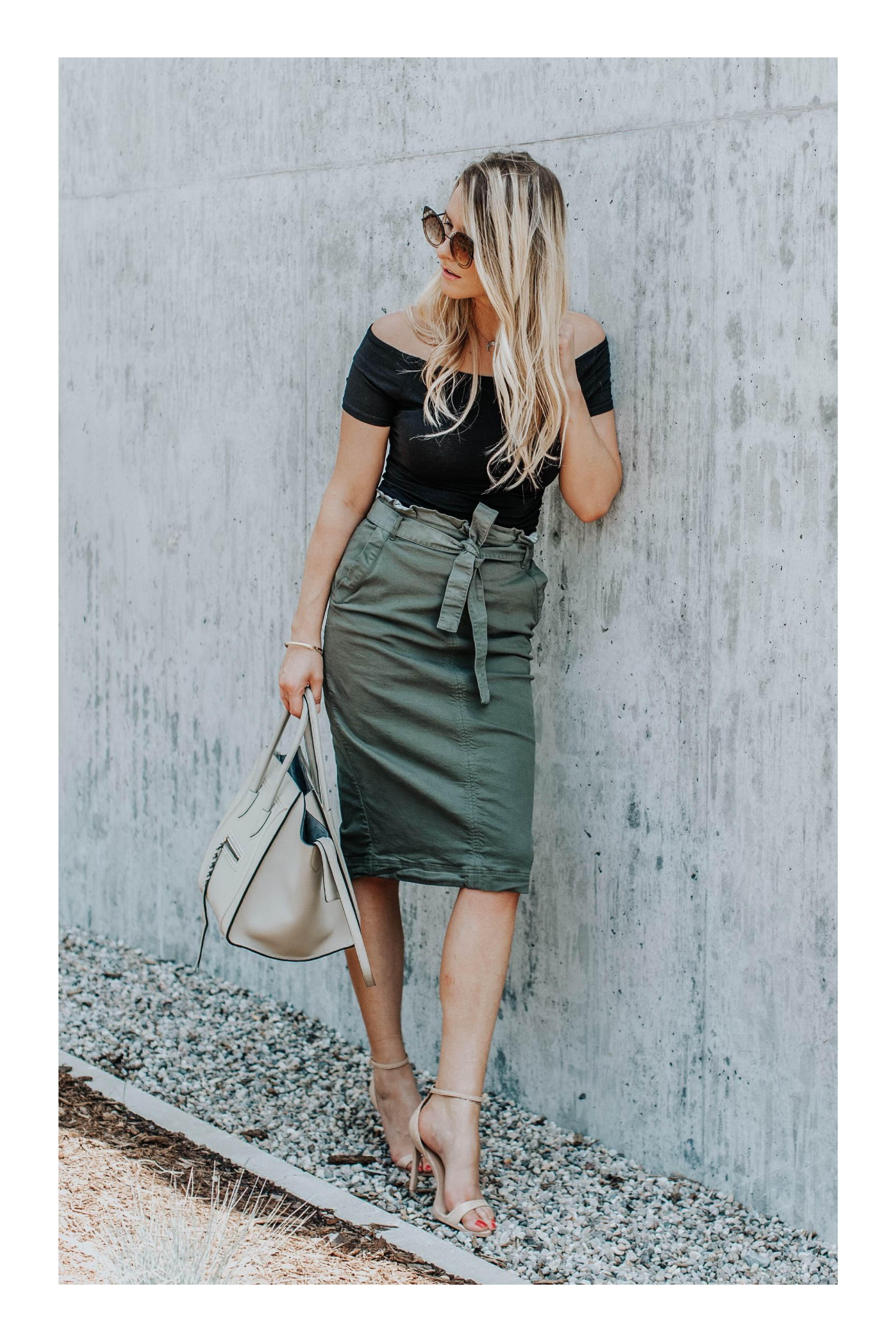 5 tipos de faldas que son imprescindibles en tu armario  TiZKKAmoda  falda   paperbag  verde  blusa  negra  offshoulder  zapatillas  bolsa  lentes  look d5094572f444