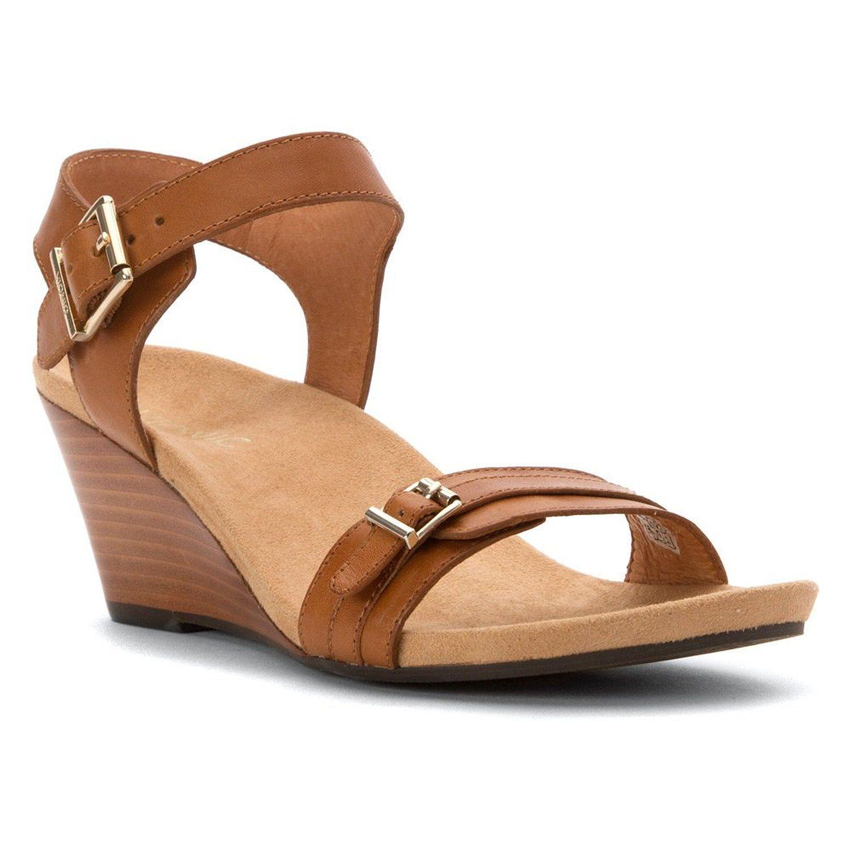 0c4990ba072 Amazon.com  Vionic Noble Laurie - Women s Wedge Sandal  Shoes ...