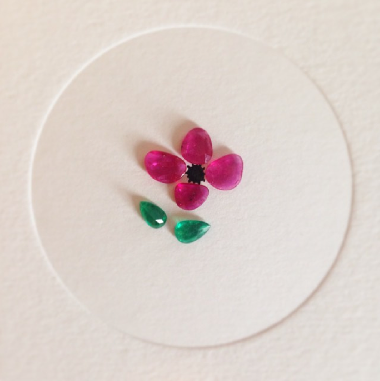 A flower made out of Loquet London birthstones