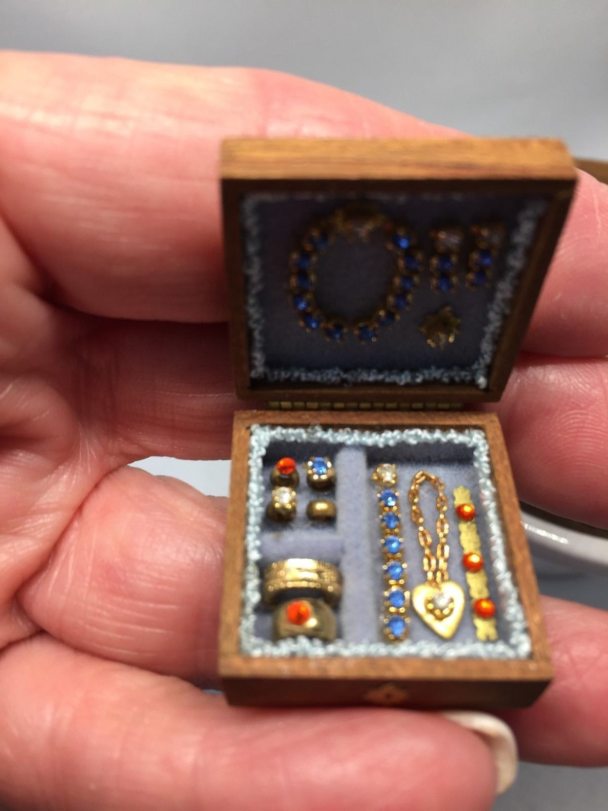 1:12 Dollhouse Miniature Wooden Jewelry Box Bedroom Accessories Mini Decor PKCA