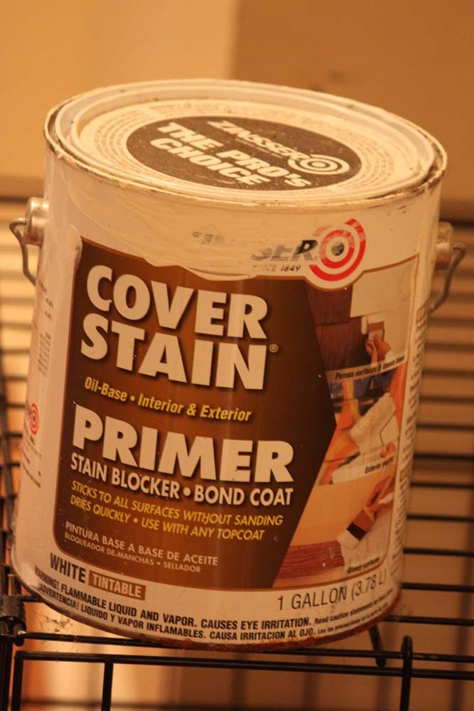 It Is An Oil Based Primer By Zinsser I Found At Lowes That Sticks To All Surfaces Without Sanding And Without Stripping B Cover Stains Life Kitchen Furniture