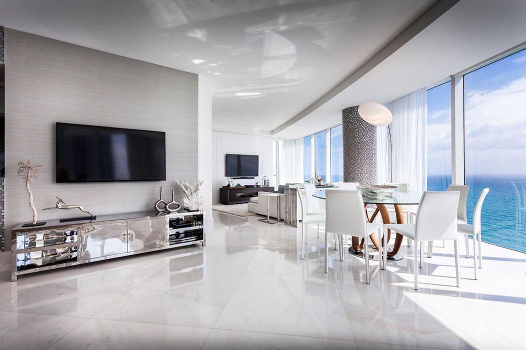 Célèbre Appartement de luxe avec belle vue sur l'eau situé sur la côte en  CC33