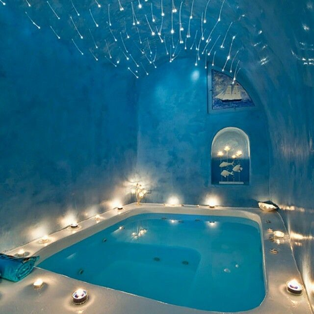 Le Spot Parfait #11  Une piscine du0027intérieur design et romantique