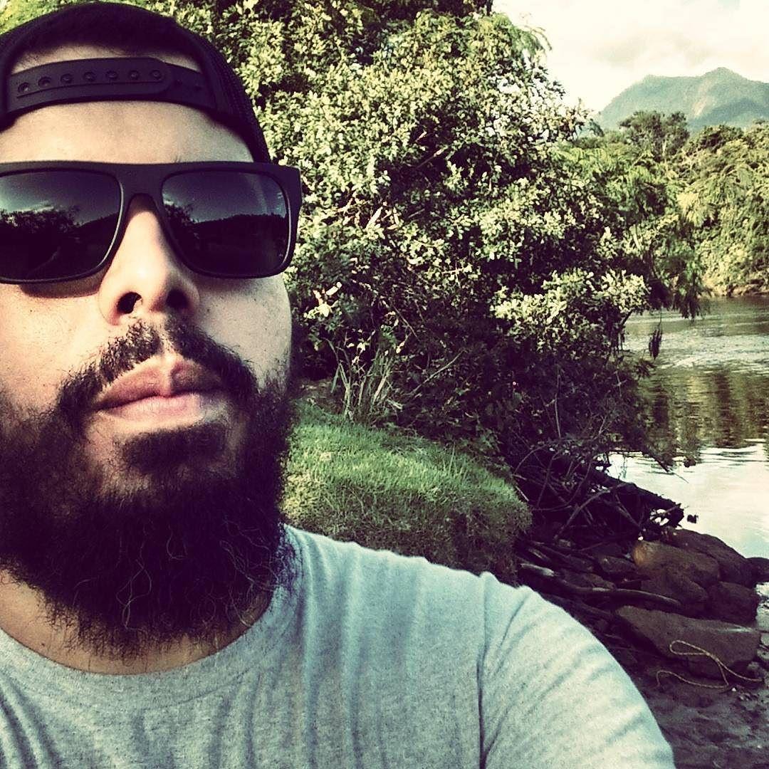 Rolling on the river... #beardgrowth #beardedlife #beardedlifestyle #brazilianbeard #barba #fanfaboficial #façaamornãofaçaabarba #fanfab #beard #beardthefuckup #barbado #barbudos #barbudo #bearded #beardgang #beardsaresexy #beardstruggle #beardlovers #barbudete #barbudosbr #barbudosdobrasil #barbudetes #mustaches by jajl_lima