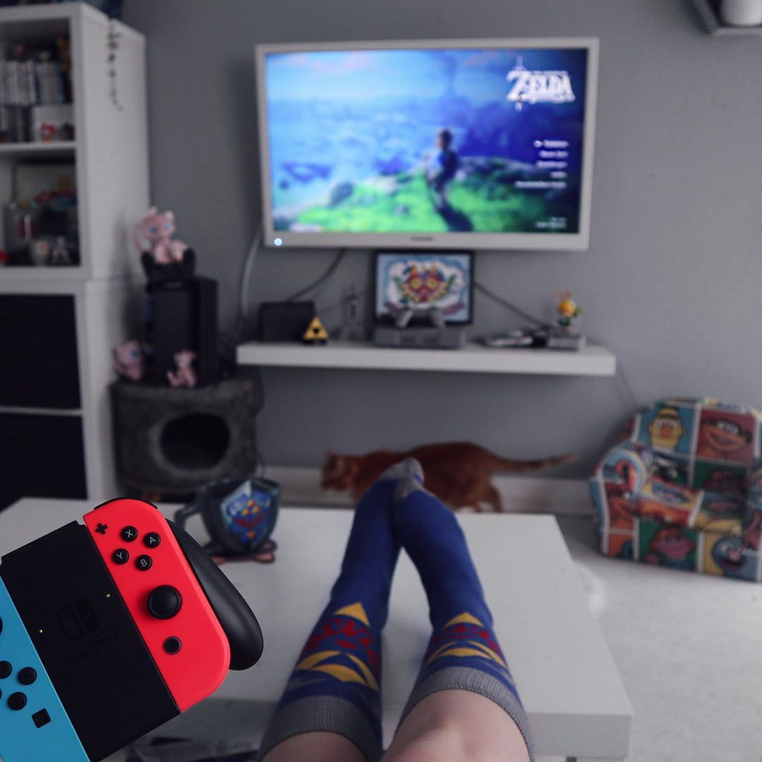 Sundayyyy Tloz Zelda Breathofthewild Legendofzelda Nintend Nintendoswitch Nintendoswi Gamer Room Nintendo Switch Accessories Game Room Design
