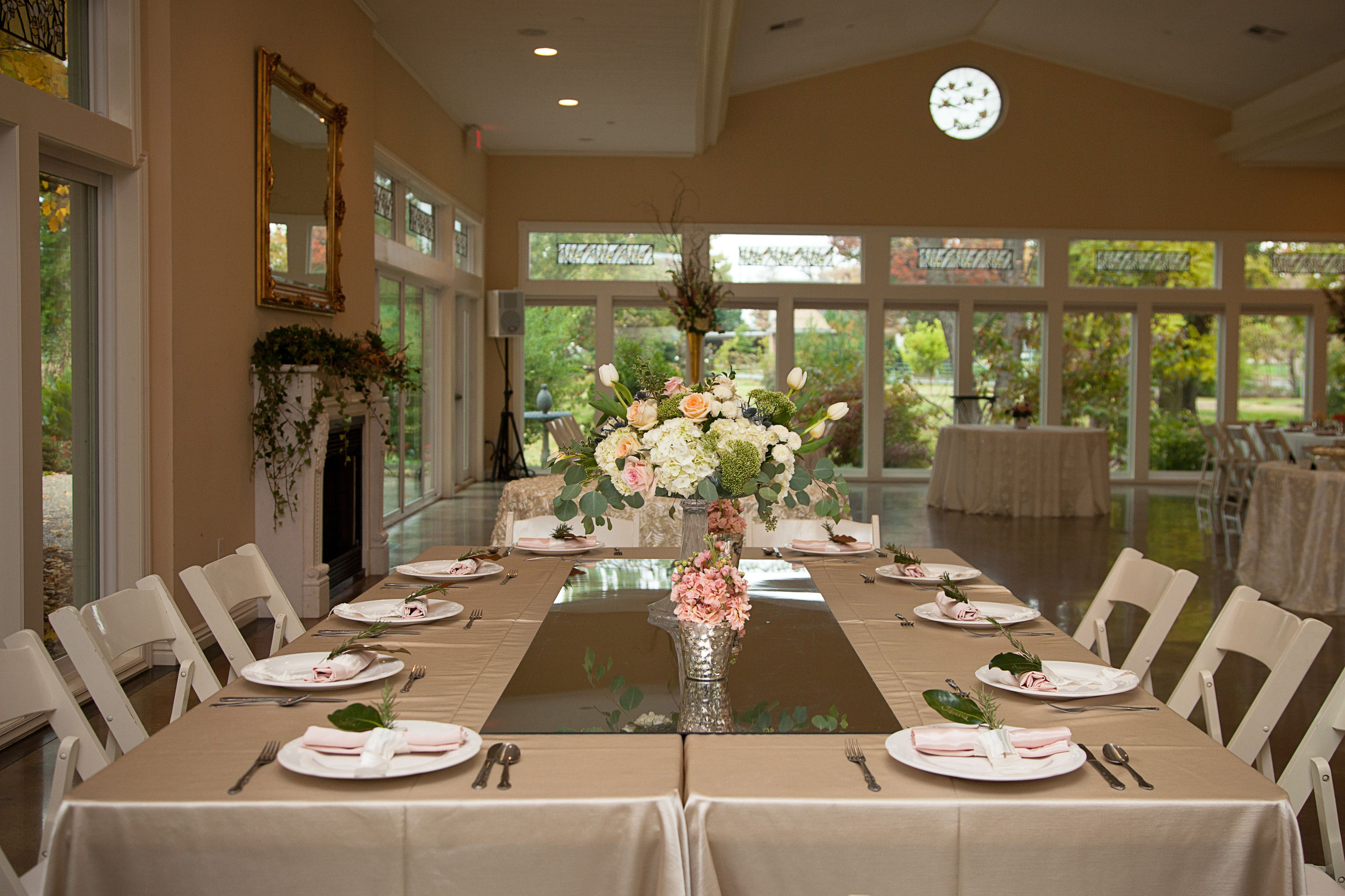 MG Open HouseBeautiful tablescapes by Claudia Slezak and