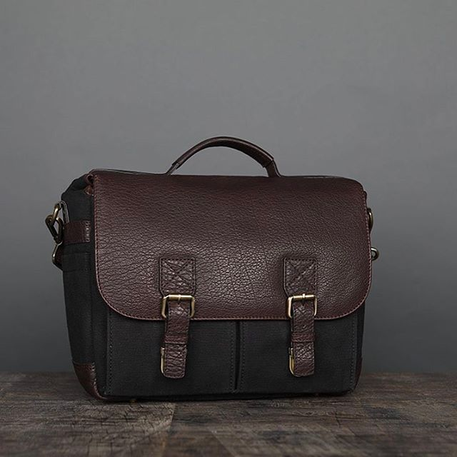 2ee2945136a The latest innovation in camera messenger bags! Perfect camera bags for a  day out in the city. Stylish, functional, minimalist!