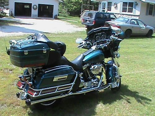 2004 Harley-Davidson® FLHTC/I Electra Glide® Classic