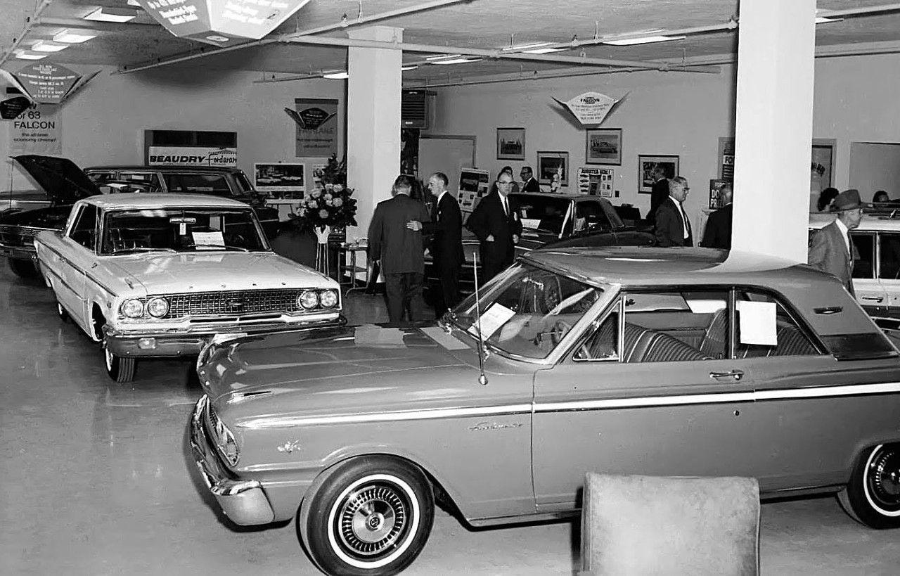1963 Model Intro Beaudry Ford Atlanta In 2020 Car Dealership Dealership Showroom Auto Repair Shop