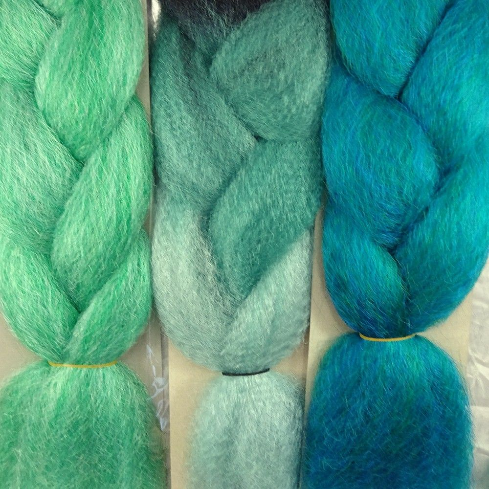 Kanekalon color comparison from left to right: Dark Mint Green, Spearmint Highlight Braid, Petrol Green