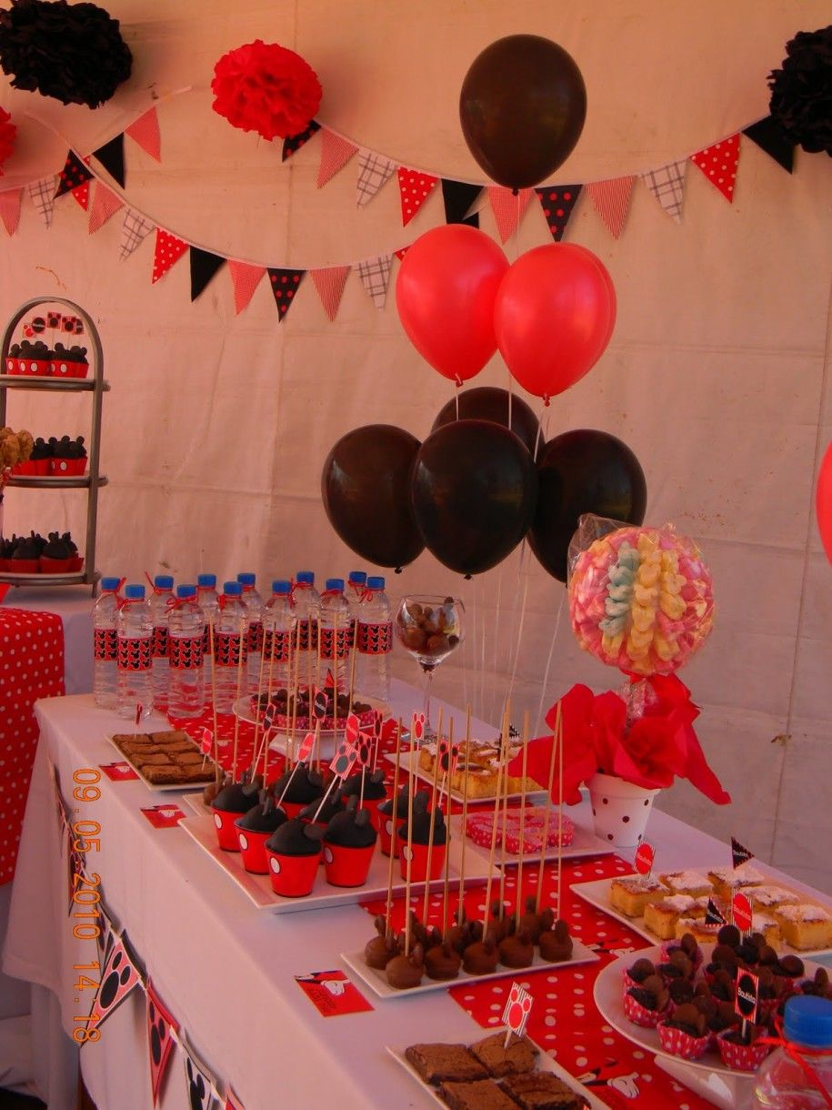 Cute Souvenir De Mickey Mouse for the House Decoration : Jazzy Kids Birthday Party Red Black Baloons Souvenir De Mickey Mouse