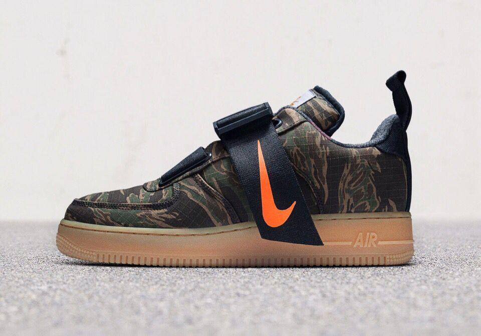 Carhartt WIP x Nike   SNEAKERS