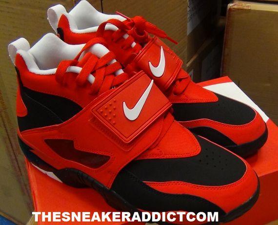 new product db189 dc964 Nike Air Diamond Turf - Challenge Red - Black - SneakerNews ...
