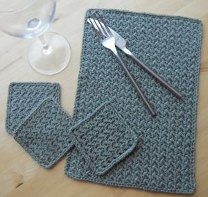 Placemat & Coaster Set. I could totally knit this myself.