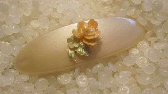vintage hair barrette soft white oval with soft by rosebudcottage
