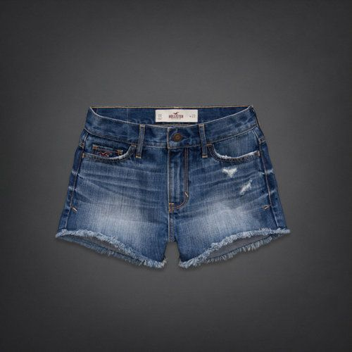 Hollister High Rise Short-Shorts| I want theseeee! Ugh. I wish Summer would just hurry up!