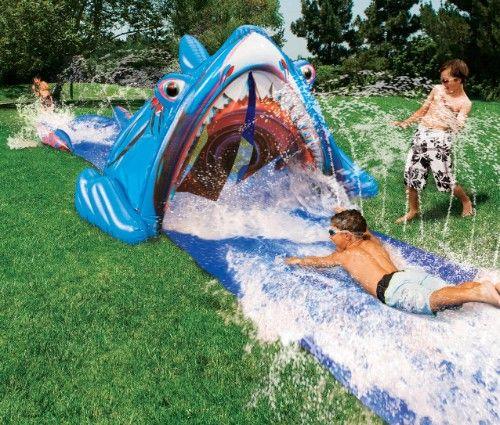 Eine tolle und hochwertige Wasserrutsche für den Garten Aus - pool garten aufblasbar