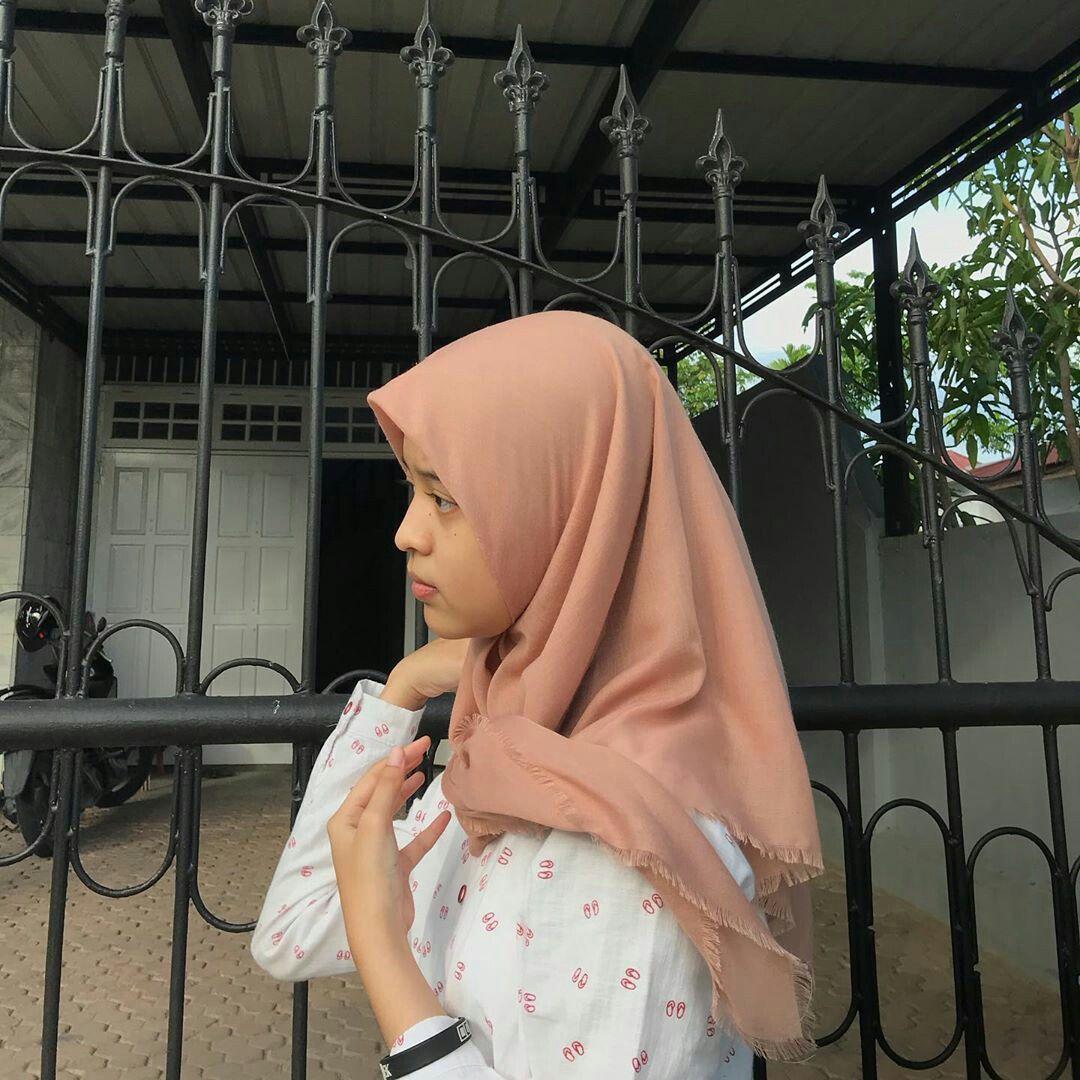 Pin oleh nfsydlafm di selebgram hijab di 2020 Potret