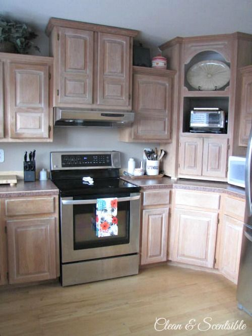 Proof That Painting Your Kitchen Cabinets White Makes A World Of Difference White Kitchen Cabinets Kitchen Cabinet Remodel Kitchen Dinning Room