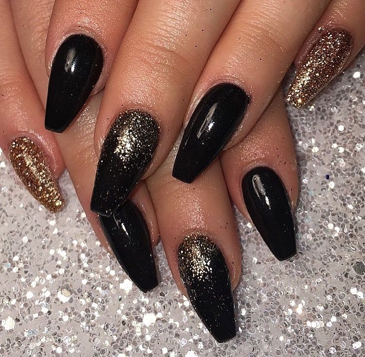Black and gold coffin nails Gold nails prom, Black nails