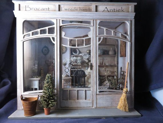 Art Deco Stijl : Deze schitternde kijkkast is in art deco stijl kit is gemaakt
