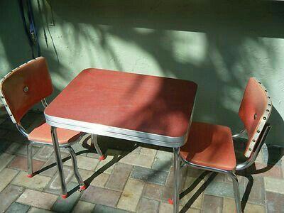 Sedie Formica ~ Red formica tavolo e sedie intarsiato architettura cucina