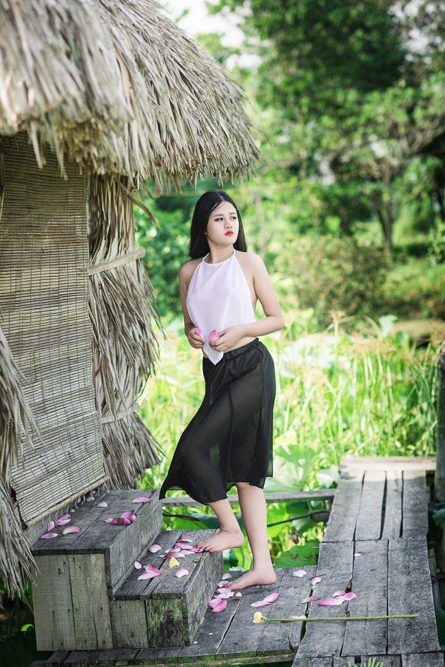 Vietnamese girl showing off in the lotus lake Girls